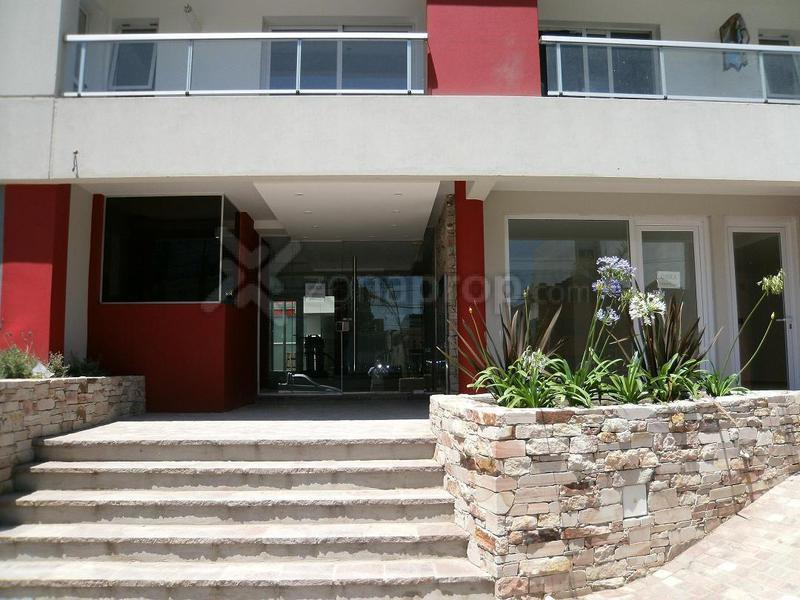 Foto Departamento en Venta en  Lomas De Zamora,  Lomas De Zamora  José Eusebio Colombres 700