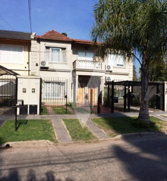 Foto Casa en Venta en  Ituzaingó ,  G.B.A. Zona Oeste  BADARACCO entre ATACAMA y COLONIA