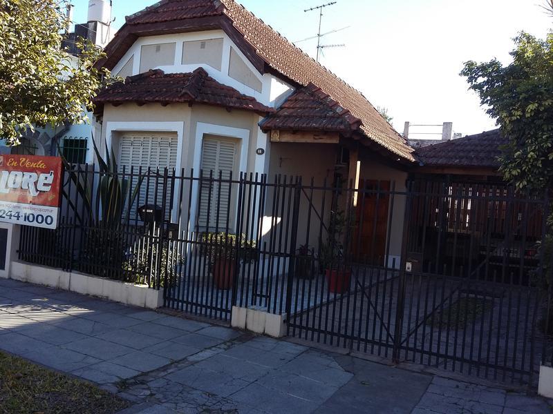 Foto Casa en Venta |  en  Lomas De Zamora ,  G.B.A. Zona Sur  ARENALES 68 - LOMAS DE ZAMORA