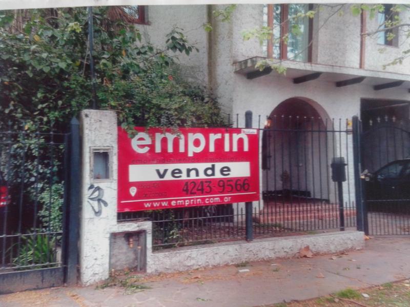 Foto Casa en Venta |  en  Adrogue,  Almirante Brown  espora al 400