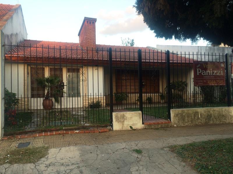 Foto Casa en Venta |  en  Lomas De Zamora ,  G.B.A. Zona Sur  BELTRAN 470