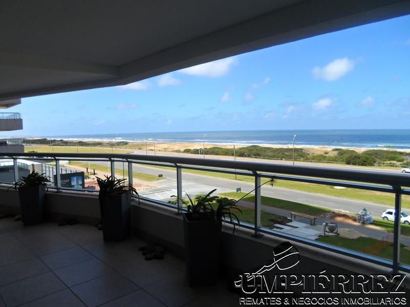 Foto Departamento en Venta | Alquiler temporario en  Playa Brava,  Punta del Este  Rambla Playa Brava