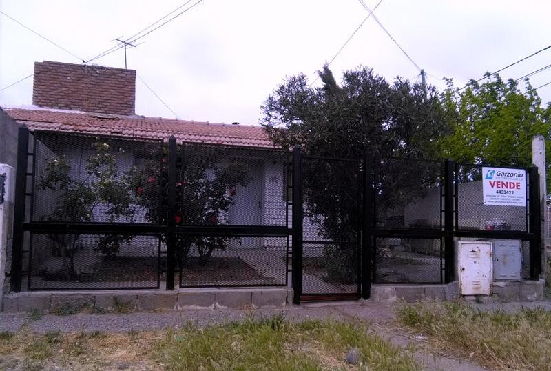 Foto Casa en Venta en  Trelew ,  Chubut  El Carmen al 900