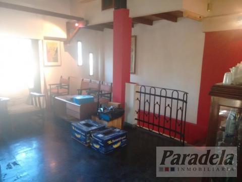 Foto Edificio Comercial en Venta en  Barrio Parque Leloir,  Ituzaingo  pte peron