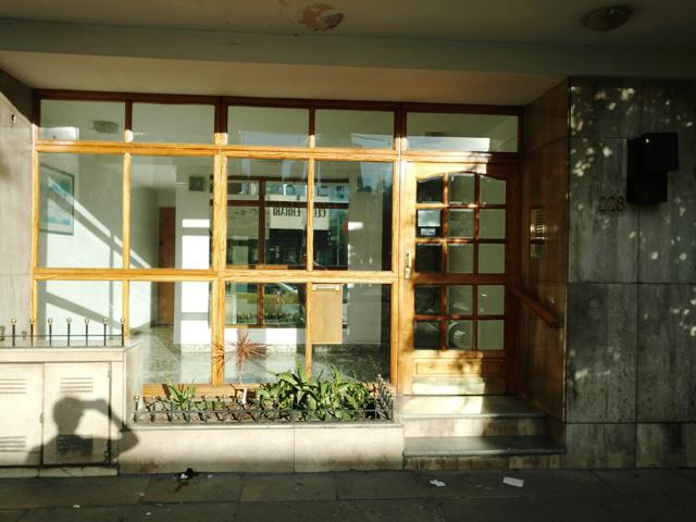 Foto Departamento en Alquiler en  Lomas de Zamora Oeste,  Lomas De Zamora  Italia N° al 200