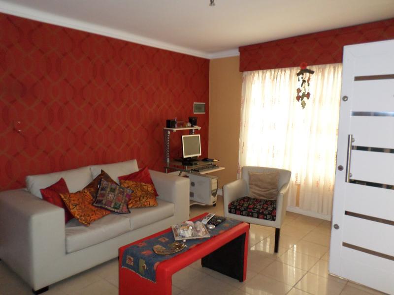 Foto Casa en Venta en  Lomas de Zamora Oeste,  Lomas De Zamora  SIRITO al 500