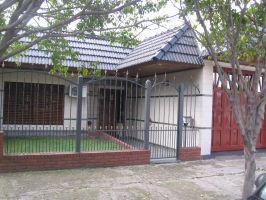 Foto Casa en Venta en  Lanús Oeste,  Lanús  A. del Valle 1600