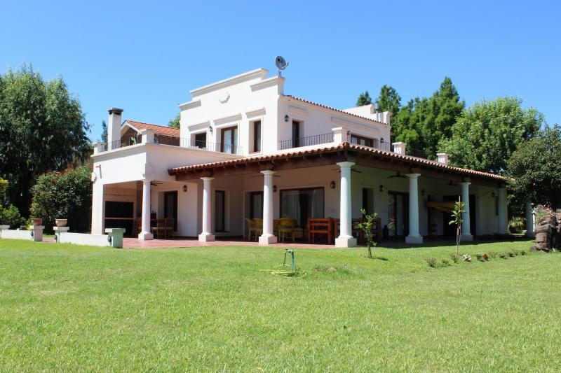 Foto Casa en Alquiler en  S.Antonio,  Zona Delta Tigre  Isla Santa Mónica - (Lote 72)