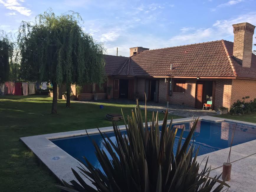 Foto Casa en Venta en  City Bell,  La Plata  459 y 21  A  /  APTA  BANCO!!!