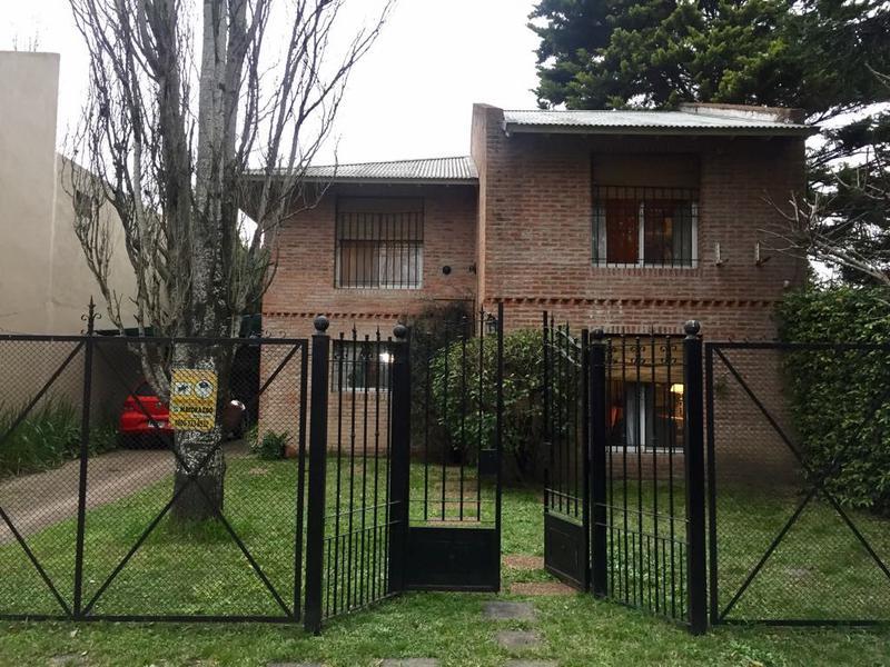 Foto Casa en Venta en  Barrio Parque Leloir,  Ituzaingo  Gaucho de Guemes al 2100