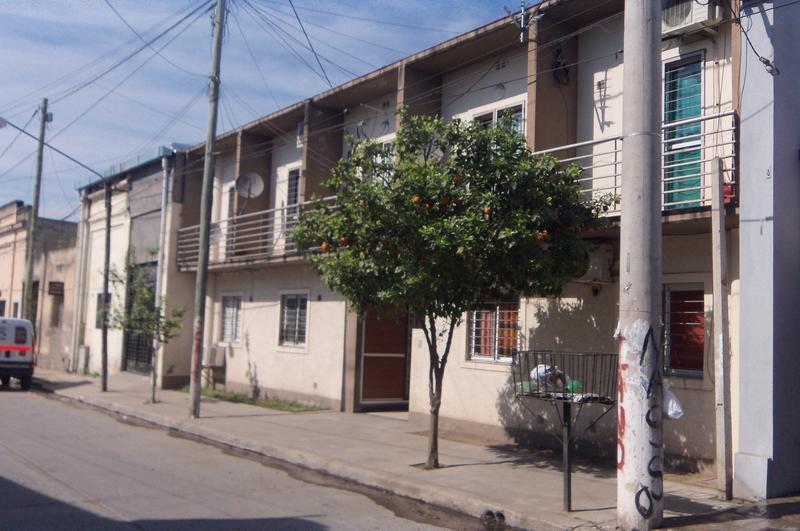 Foto Departamento en Alquiler en  San Miguel De Tucumán,  Capital  Pje 1° de Mayo al 200