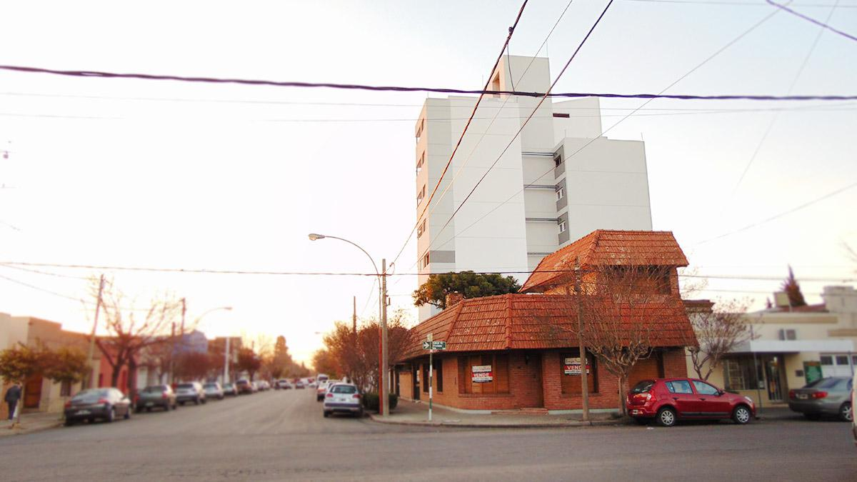 Foto Casa en Venta en  Centro,  General Pico  15 esq. 14