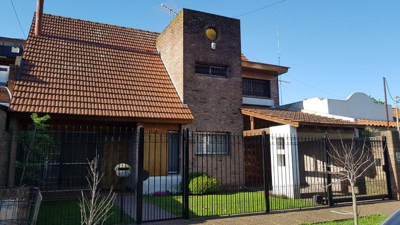 Foto Casa en Venta en  Castelar Norte,  Castelar  Nicolás de Arredondo al 3300