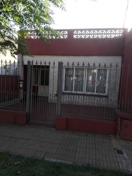Foto PH en Venta en  Temperley Este,  Temperley  BOMBERO ARIÑO 977