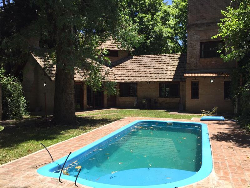 Foto Casa en Alquiler en  Barrio Parque Leloir,  Ituzaingo  Los Baqueanos al 1100