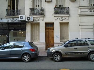 Foto PH en Venta | Alquiler |  en  San Telmo ,  Capital Federal  Chile al 900