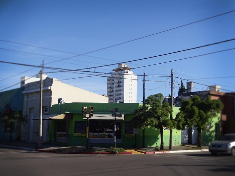 Foto Local en Venta en  Centro,  General Pico  9 esq. 24