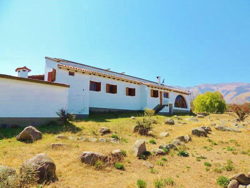 Foto Casa en Venta en  Tafi Del Valle ,  Tucumán  3 dorm 250 m2 cub y 6600 m2 lote Zona La Quebradita