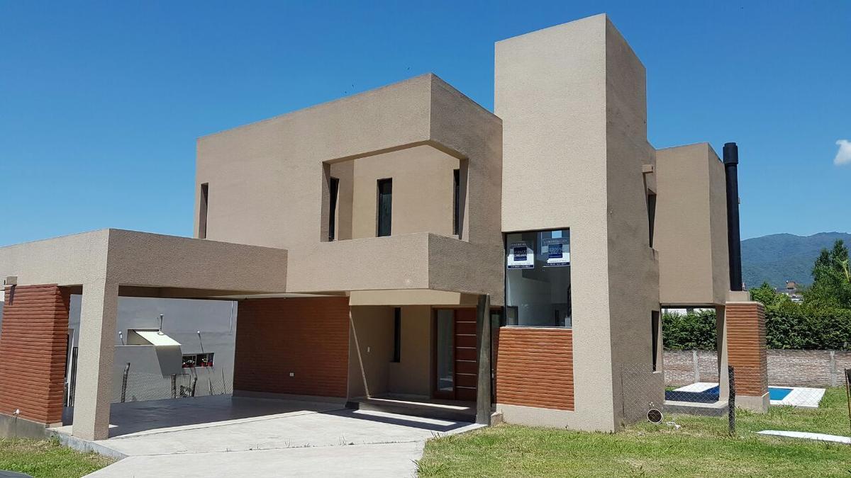 Foto Casa en Venta |  en  Yerba Buena ,  Tucumán  COUNTRY DEL PILAR
