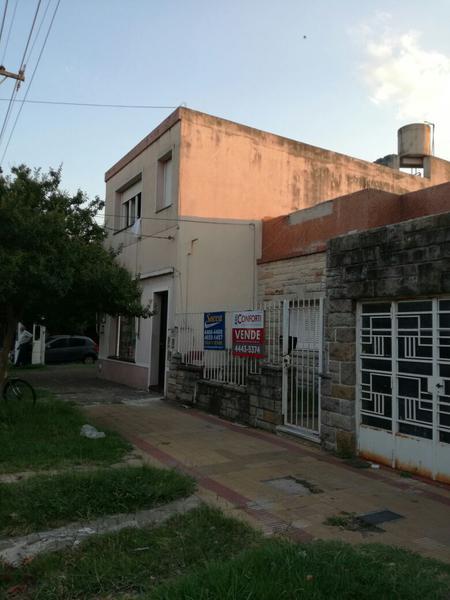 Foto Casa en Venta |  en  Haedo Sur,  Haedo  Constitucion al 600
