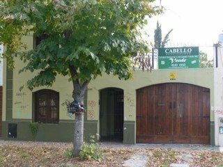 Foto Casa en Venta |  en  Lomas de Zamora Oeste,  Lomas De Zamora  Loria 1000