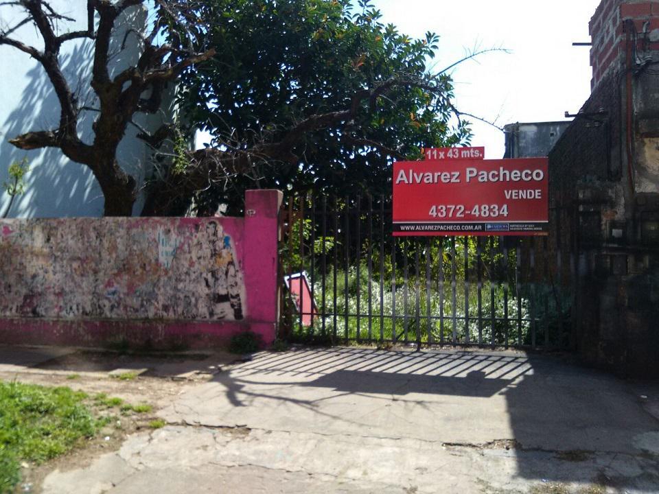 Foto Terreno en Venta en  Quilmes ,  G.B.A. Zona Sur  ALBERDI al 300