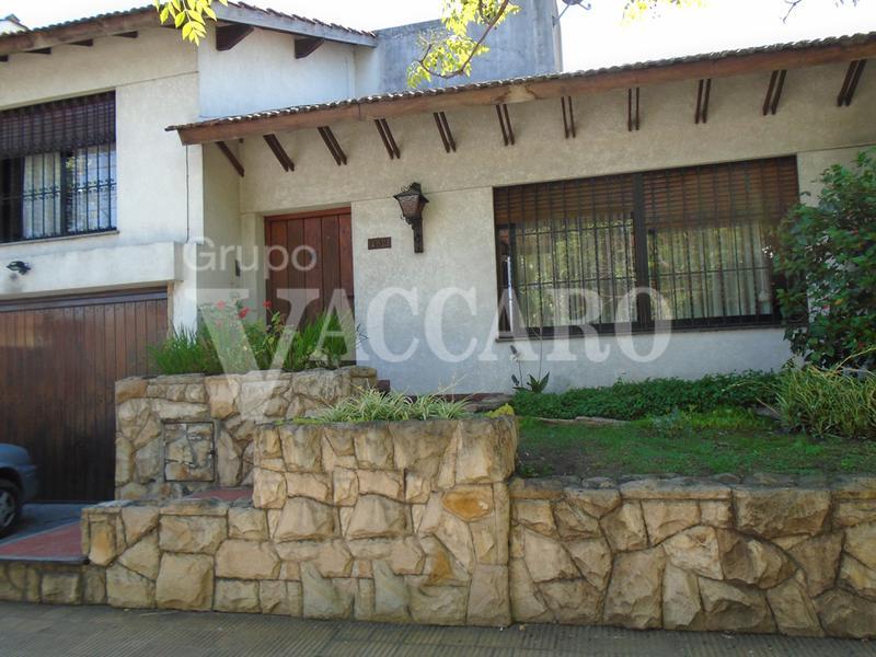 Foto Casa en Venta en  Ituzaingó ,  G.B.A. Zona Oeste  SANTA ROSA entre ALVEAR, CARLOS MARIA GRL. y LAVALLE