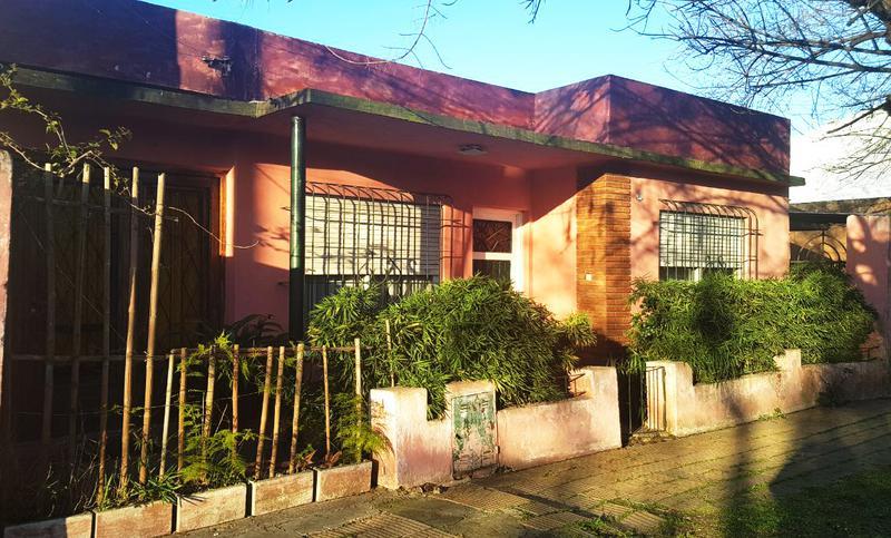 Foto Casa en Venta en  Ituzaingó Norte,  Ituzaingó  Nicasio Oroño al 1100