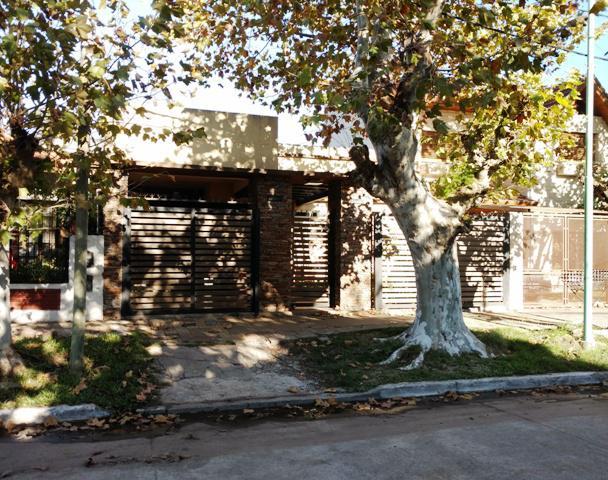 Foto Casa en Venta en  Temperley Este,  Temperley  Esmeralda N° al 300