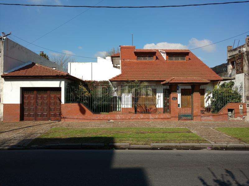 Foto Casa en Venta |  en  Remedios De Escalada,  Lanus  Villegas 396