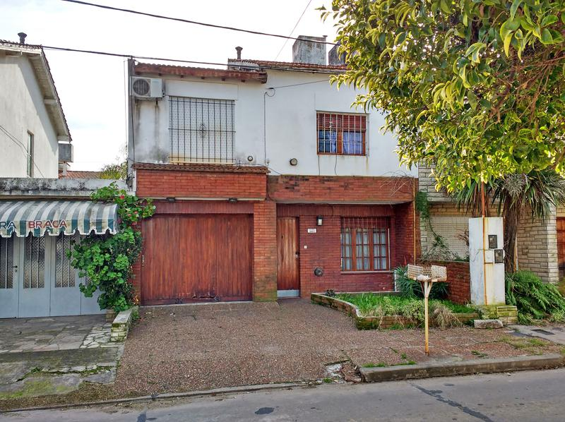 Foto Casa en Venta en  Centro (Campana),  Campana  Monseñor de Andrea al 1000