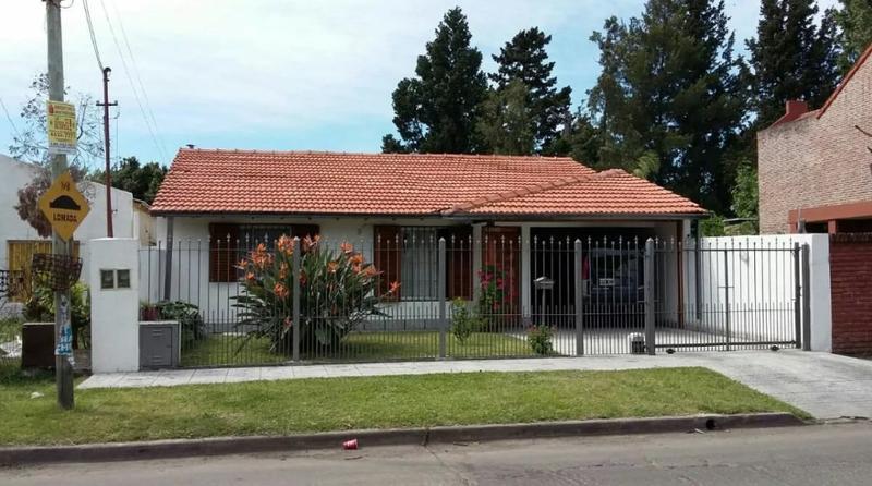 Foto Casa en Venta en  Ituzaingó Norte,  Ituzaingó  Francisco Fernandez de la Cruz al 1000