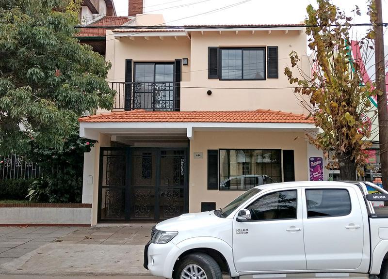 Foto Casa en Venta en  Centro (Campana),  Campana  Varela al 400