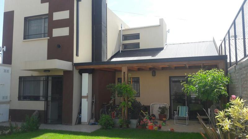Foto Casa en Venta en  Trelew ,  Chubut  Sargento Cabral 2.136