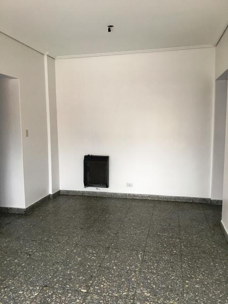 Foto Departamento en Alquiler en  Lomas de Zamora Oeste,  Lomas De Zamora  Gorriti N° 11 5°