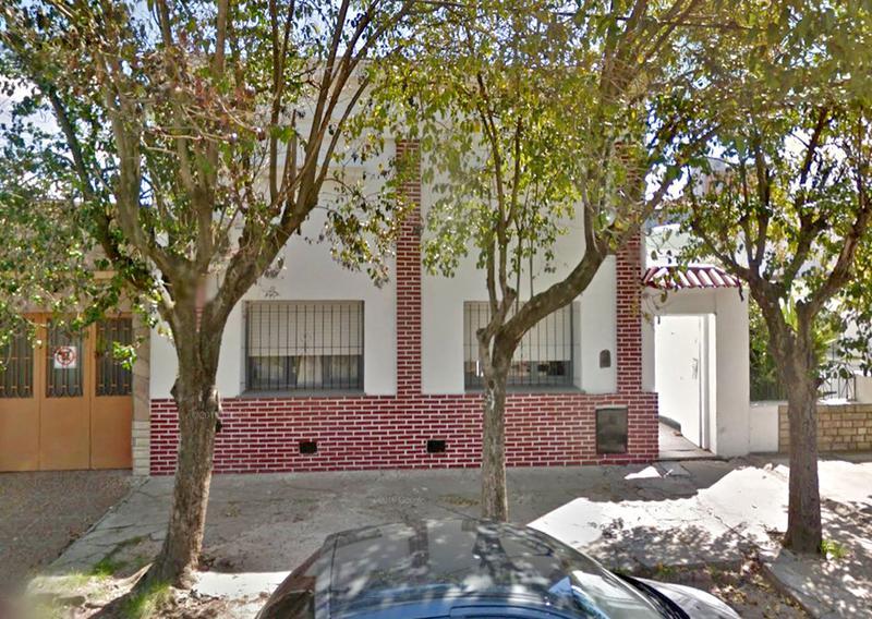Foto Casa en Venta en  Centro (Campana),  Campana  Colon al 500