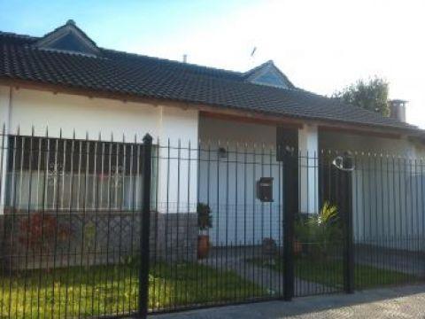 Foto Casa en Venta en  Ituzaingó,  Ituzaingó  Bernasconi 2800