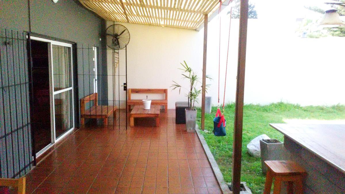 Foto Casa en Venta |  en  Castelar,  Moron  Munilla al 2500