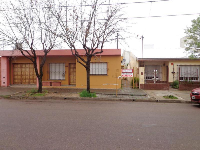 Foto Departamento en Alquiler en  San Etelvino,  General Pico  Calle 11 bis  e/ 112 y 114
