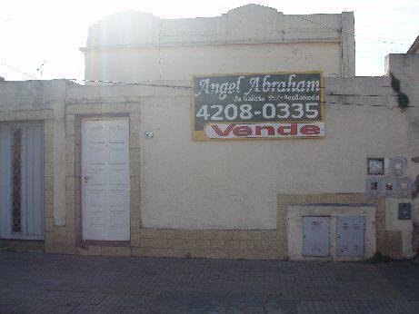 Foto Edificio Comercial en Venta en  Piñeyro,  Avellaneda  Edmundo Fernandez 400