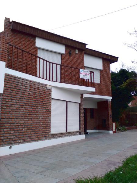 Foto Casa en Alquiler en  Trelew ,  Chubut  Brasil al 200