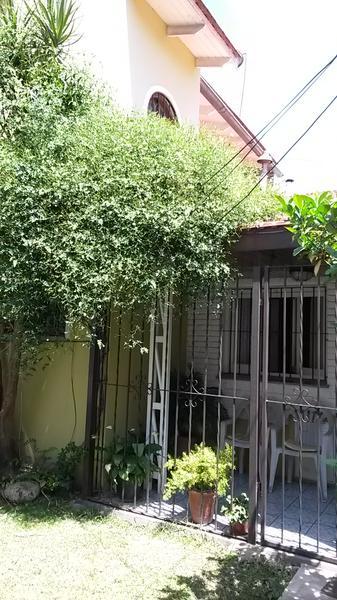 Foto PH en Venta en  Lomas de Zamora Oeste,  Lomas De Zamora  SAAVEDRA 859, depto.tipo casa int.e/ Bustamante y Chimento