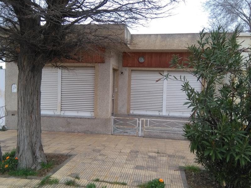Foto Casa en Venta en  Trelew ,  Chubut  Alberdi y Gdor Tello