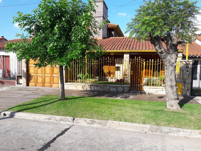 Foto Casa en Venta en  Banfield Este,  Banfield  QUINTANA 2256 entre Matheu y Pedernera