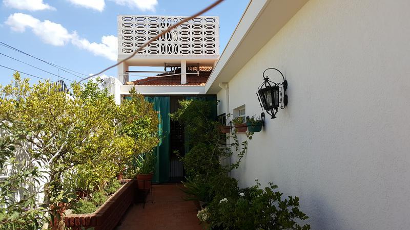 Foto Edificio Comercial en Venta en  Lomas de Zamora Oeste,  Lomas De Zamora  Laprida al 1000 - Lomas de Zamora