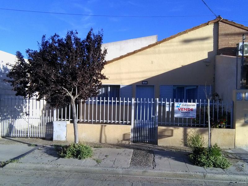 Foto Casa en Venta en  Trelew ,  Chubut  Cambrin al 300