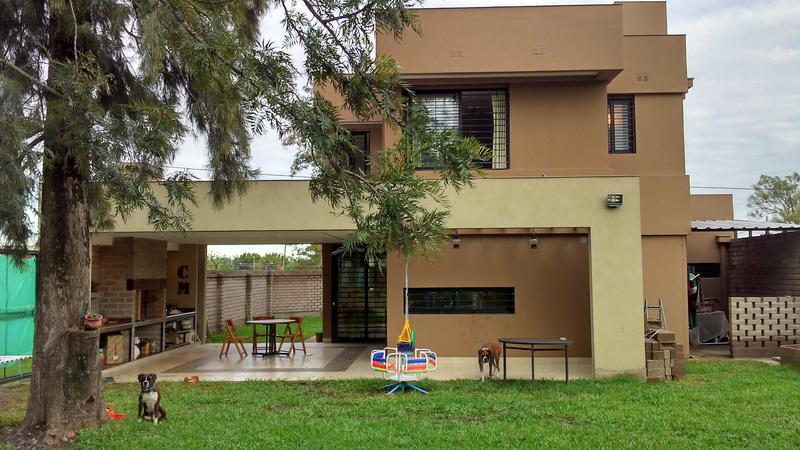 Foto Casa en Venta en  Yerba Buena,  Yerba Buena  Maderuelo esq Braile