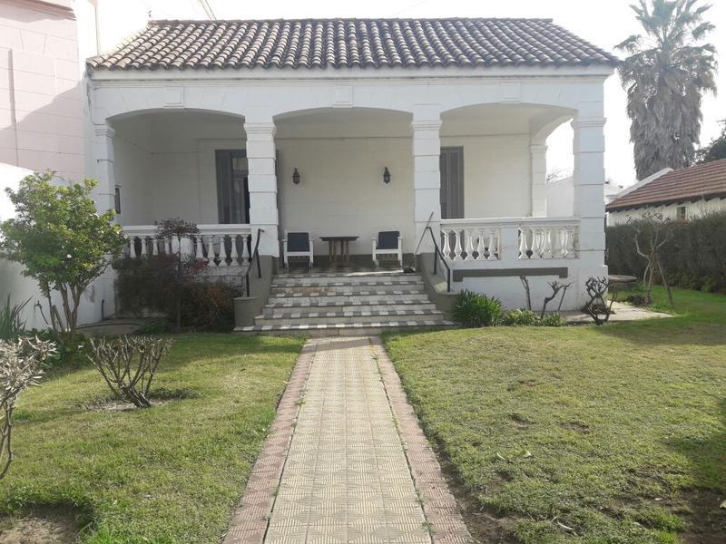Foto Casa en Venta    en  Villa Allende,  Colon  Roque Saenz Peña 50