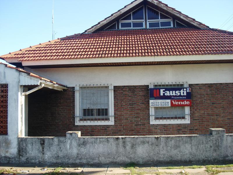 Foto Casa en Venta en  Llavallol,  Lomas De Zamora  Garibaldi Nº 2077