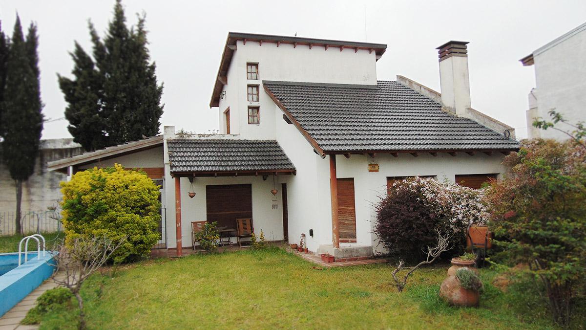 Foto Casa en Venta en  Este,  General Pico  calle 24 e/ 33 Y 35